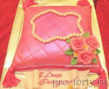 торт женщине на празник