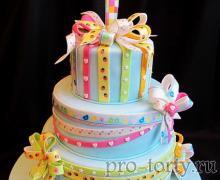 торт на годик многоярусный