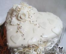 свадебный торт сердечко