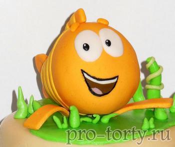 торт Гуппи и пузырьки из мастики