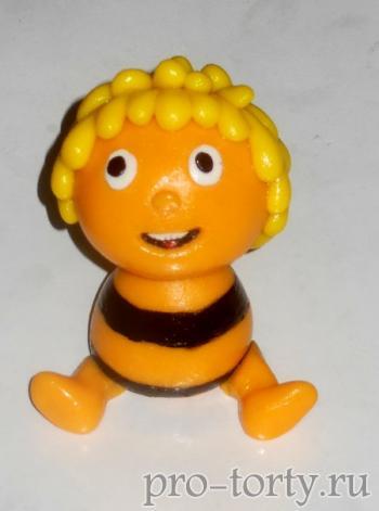 как лепить пчелку Майю из мастики