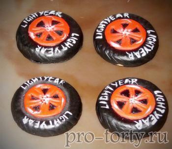 колеса из мастики для машинки